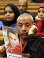 تجمع أهالى شهداء مذبحة بورسعيد أمام أكاديمية الشرطة قبل النطق بالحكم