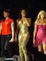 بالفيديو والصور.. عودة Spice Girls للاحتفال بالعام الـ 20 على تأسيس الفريق.. والمفاجآت فى انتظار محبيهم ومعجبيهم.. وتكهنات حول سلسلة حفلات قريبا