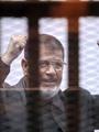 """بالفيديو والصور.. """"مرسى"""" لأول مرة بالبدلة الزرقاء بـ""""التخابر مع قطر"""""""