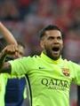 بعد قراراه الرحيل عن برشلونة.. مانشستر يونايتد يسعى لخطف دانى ألفيس