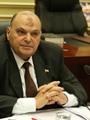 نائبان بالبرلمان يثيران أزمة بمطار القاهرة بعد رفضهما التفتيش وخلع الأحذية