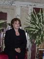 بالصور..الإمبراطورة فرح ديبا وجيهان السادات يضعان الورود على قبر شاه إيران