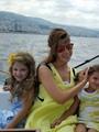 """نانسى عجرم تنشر صورة جديدة لها على """"تويتر"""" بصحبة ابنتيها"""