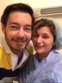 14.زاهر وزوجته من غرفة العمليات