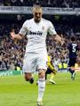 بالفيديو.. ريال مدريد يستعرض مهارات بنزيمة منذ انضمامه فى 2009