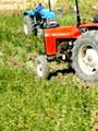"""""""الزراعة"""":تسوية تربة 115 ألف فدان باستخدام الجرارات الموجهة بأشعة الليزر"""