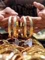 الذهب يعاود الانخفاض وعيار 24 يسجل 274 جنيهاً