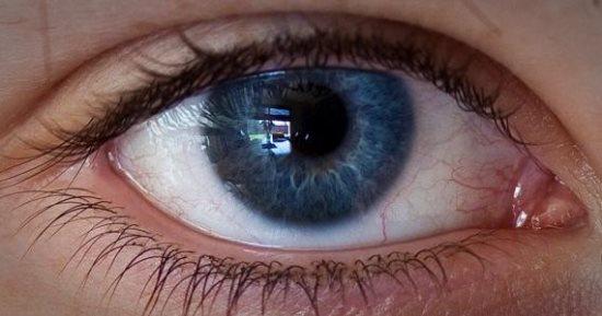 أسباب ضعف النظر المفاجئ وأطعمة لتعزيز صحة الرؤية اليوم السابع